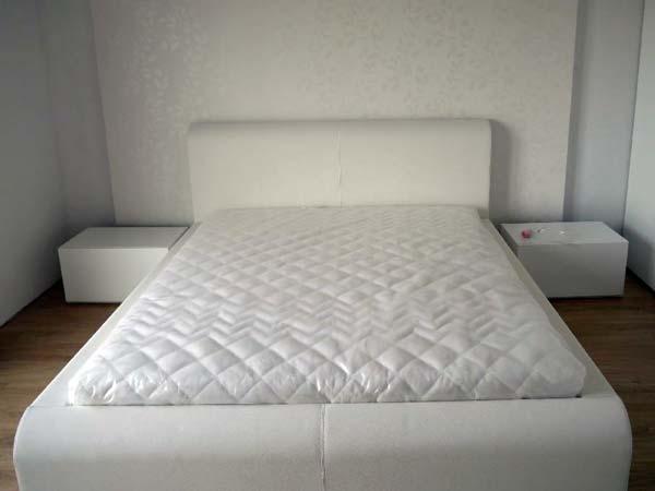Łóżko z materacem firmy Janpol